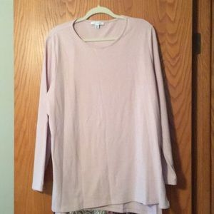 Soft, long-sleeved top